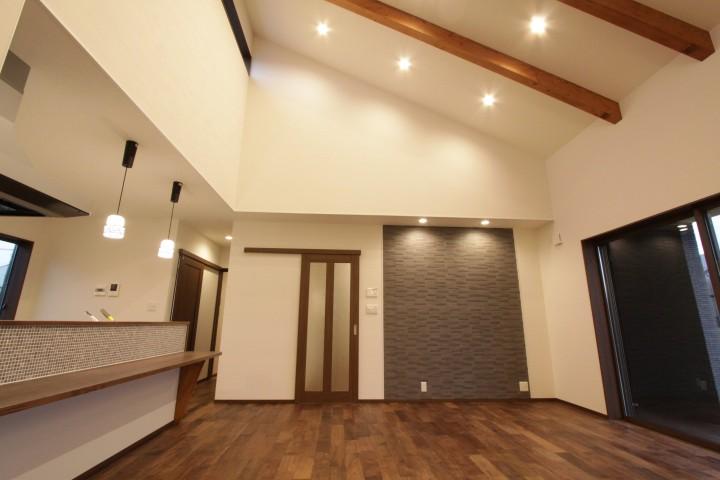 天井も高く開放的で上質な空間。