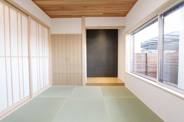 家の雰囲気を取り入れた和室。
